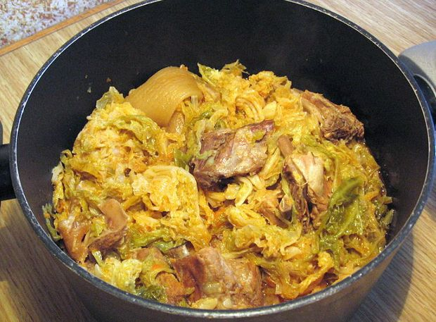 Cassoeula di maiale: ricetta base e varianti - Idee Green
