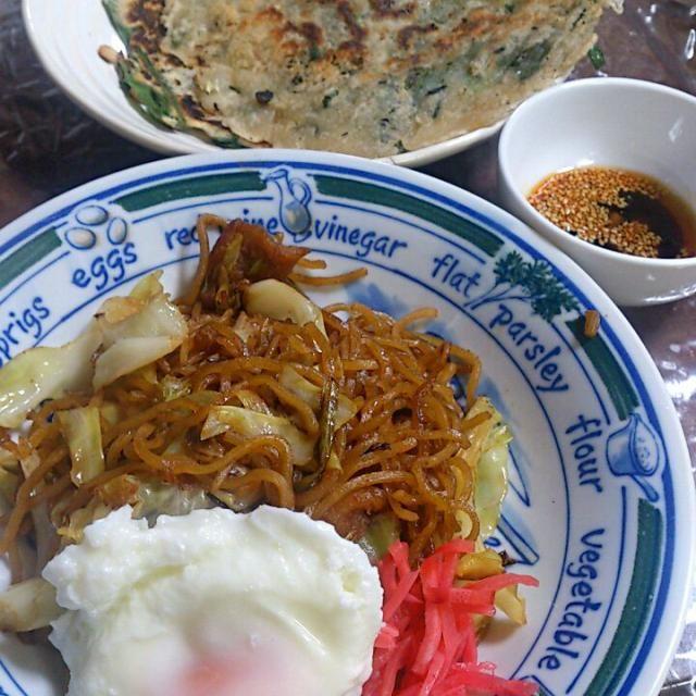 麺は叶や  ソースはマルモ 削り粉がなくて残念。 代わりに目玉焼きをon。 チヂミはモー大好き! - 5件のもぐもぐ - 富士宮焼きそばとチヂミ by FUKUPPE