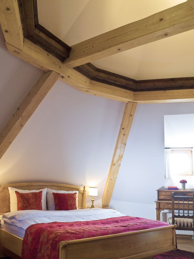 Large Tower Suite - bed room