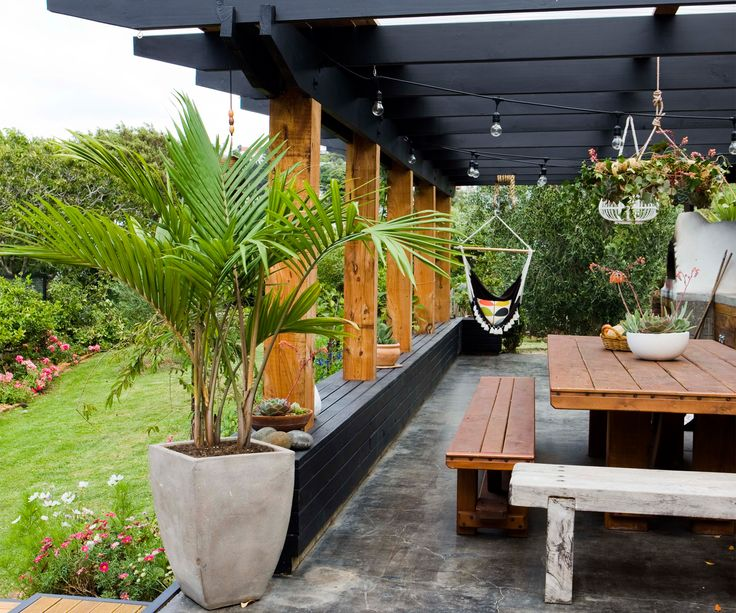 This Wellington family created the coolest outdoor kitchen you ever did see - Homes To Love
