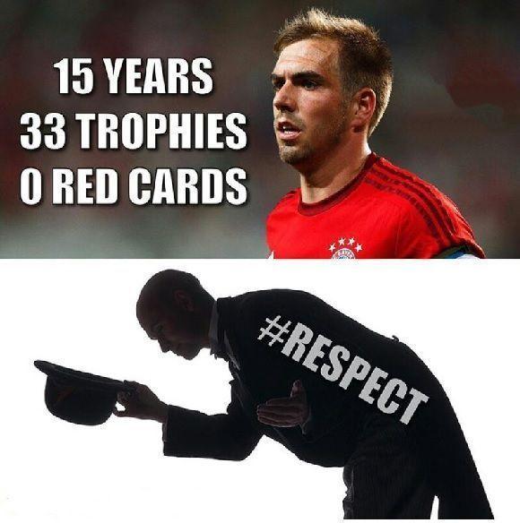 Niesamowita kariera niemieckiego piłkarza - Szacun • Philipp Lahm czyli 15 lat gry i 0 czerwonych kartek • Wejdź i zobacz więcej >> #bayern #bayernmunich #lahm #football #soccer #sports #pilkanozna