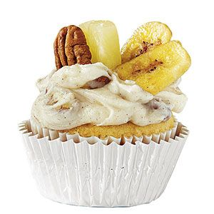 College Football Cupcakes | Upgrade a vanilla cupcake recipe with team-themed toppings for your school: Hummingbird Cupcakes, Cupcakes Florida, Cakes Cupcakes, Hummingbirds Cupcakes, Colleges Football, Vanilla Cupcakes Recipes, Bananas Chips, College Football, Football Cupcakes