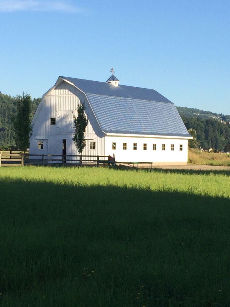 Best 25 hip roof design ideas on pinterest hip roof for Hip roof barn homes plans