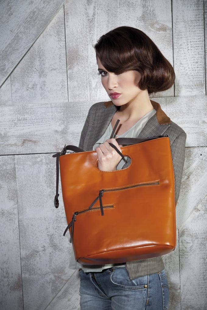 Borsa in tessuto sintetico arancione a mano o sottospalla Ottawa #borsa #borse #sottospalla #Caleidos