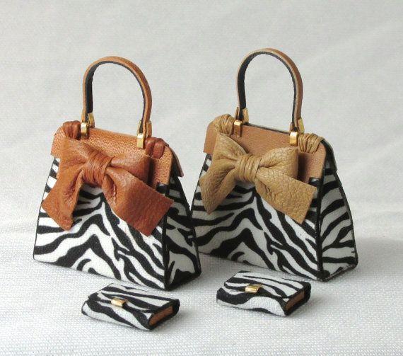 Bellissima borsetta moderna scala 1/12 in pelle e tessuto a stampa animalier con portafogli abbinato