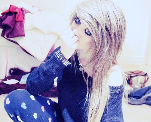 Marina Joyce is Beautiful and has amazing Hair and Makeup