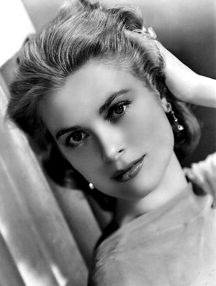 Monaco Prensesi Grace Kelly, gördüğüm en güzel kadın !! bir araba kazasında ölmüştü yazık !!!