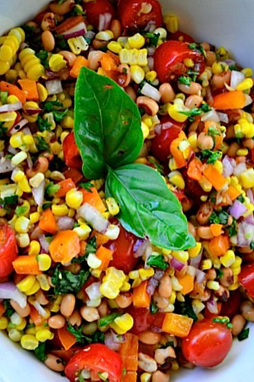 Blackeye Peas Fresh Corn Salad reluctantentertainer.com #CincodeMayo