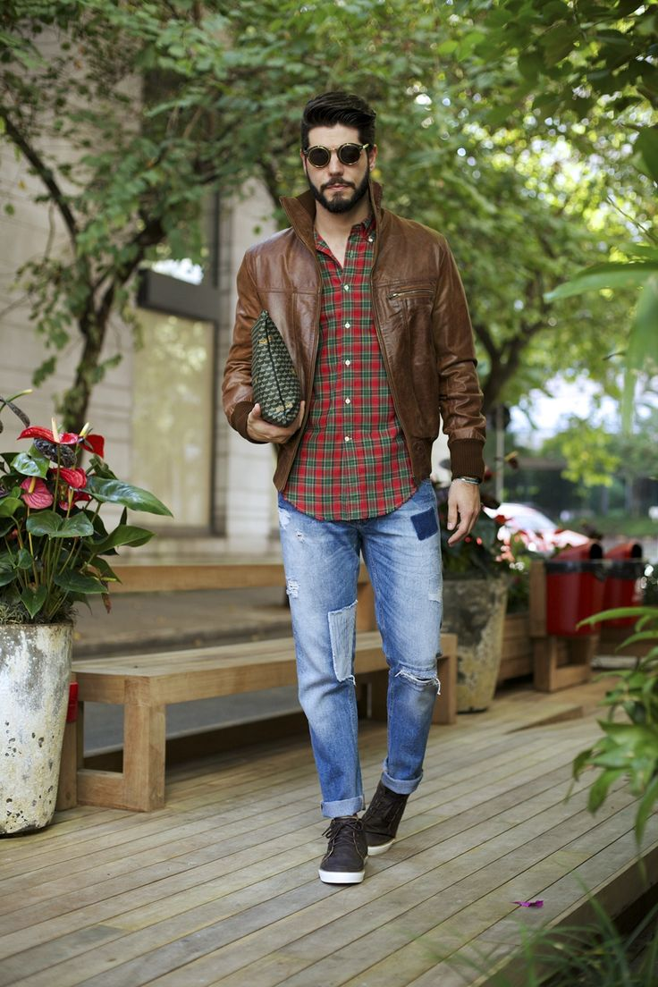 Mens Street Style: Kadu Dantas pairs his outfit of the day with the Fauré Le Page Pochette Zip.