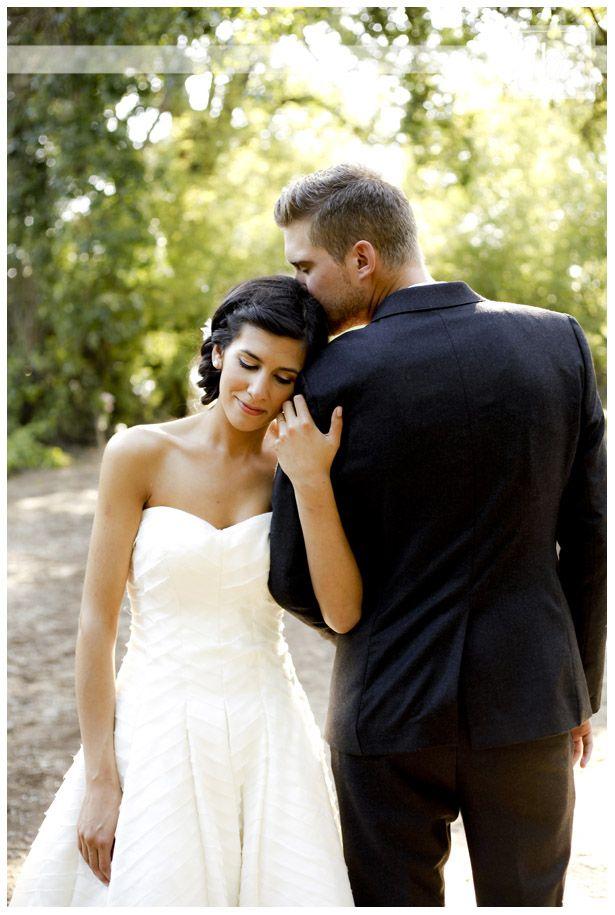 thatkindofwoman:    bschwartzphotography:    First of many from Matt and Amanda beautiful wedding!     A beautiful shot.