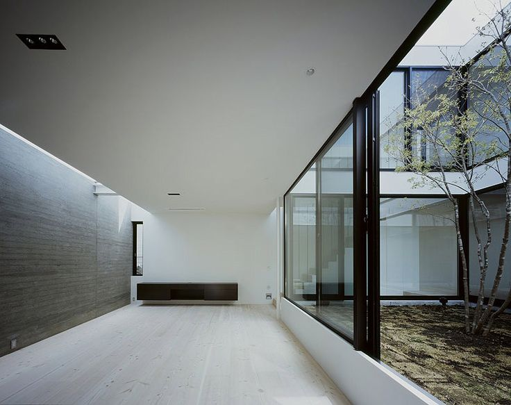 La casa patio un proyecto de apollo architects - Patios interiores ...