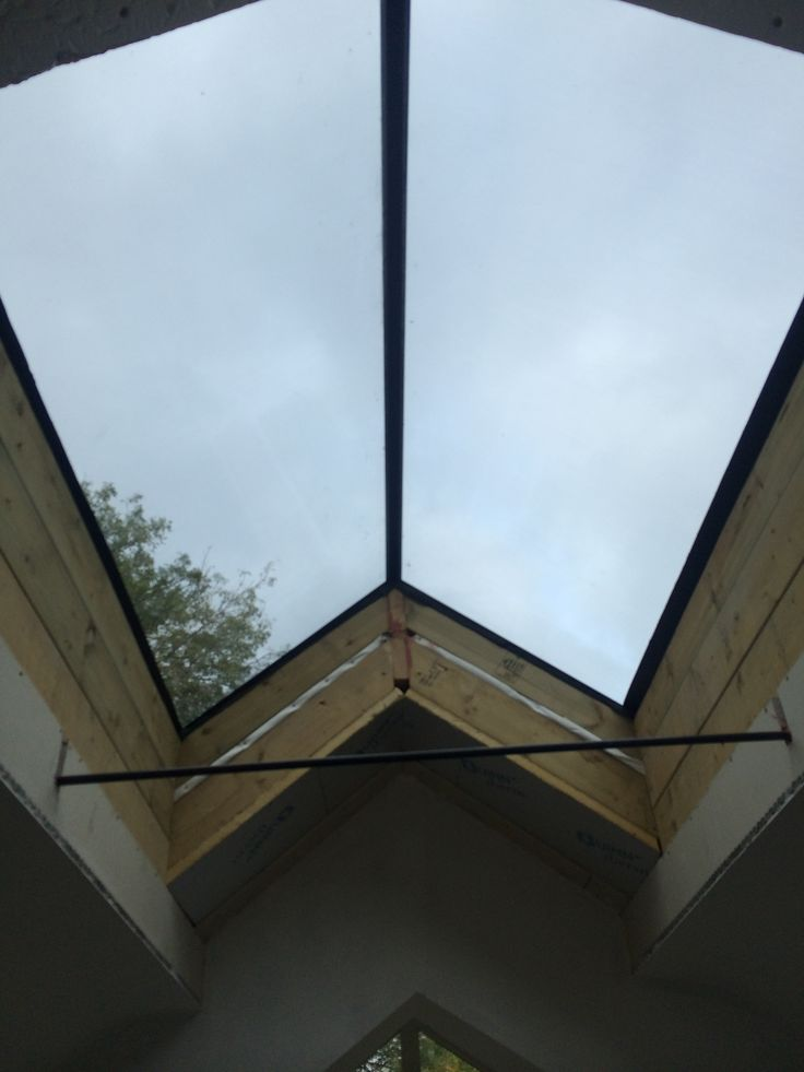 Dual Pitched Rooflight With A Frameless Ridge Vitral