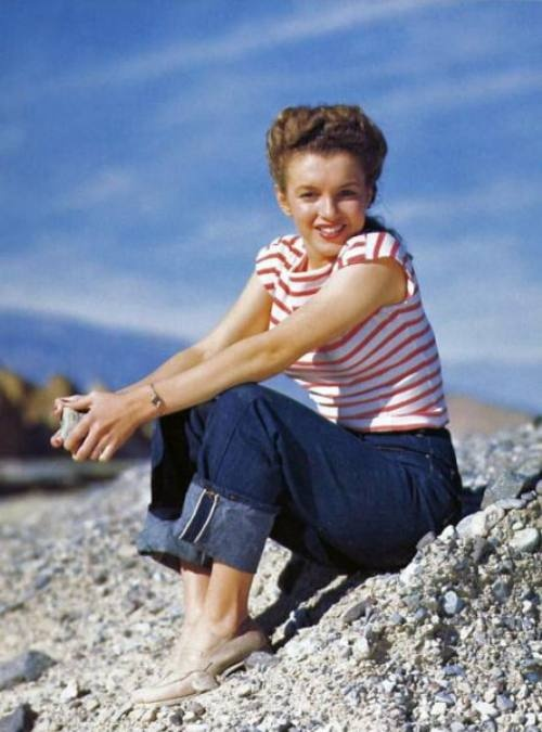 Marilyn Monroe - her Early Years in Pics and Vids                                                                                                                                                                                 Mais
