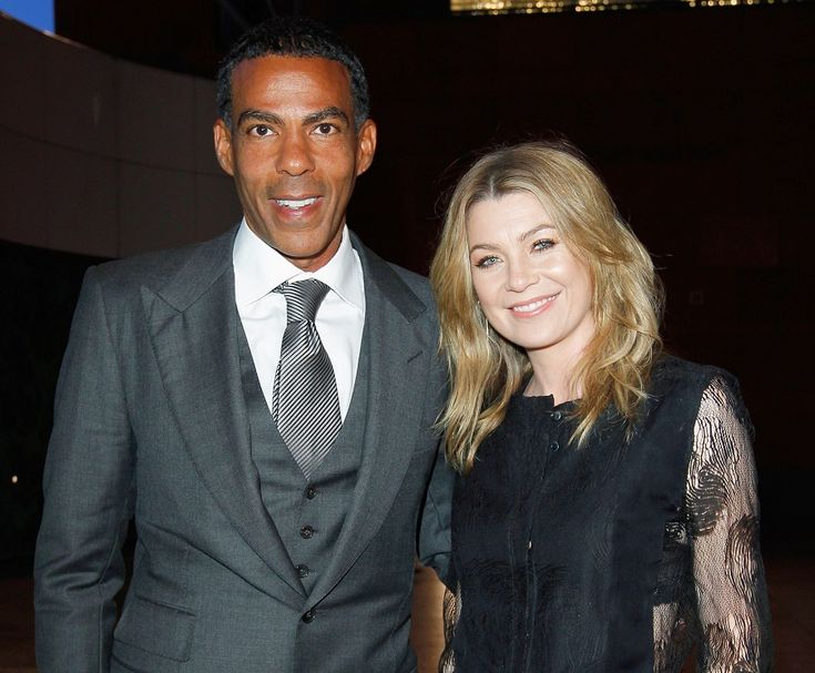 Grey's Anatomy bombshell Ellen Pompeo met the love of her life in an aisle, in the grocery store! Her now-husband, producer Chris Ivery, proposed to the actress on her birthday and married her at City Hall in 2007. The inseparable couple gave birth to their baby daughter Stella Luna and live their love every day in Los Angeles.