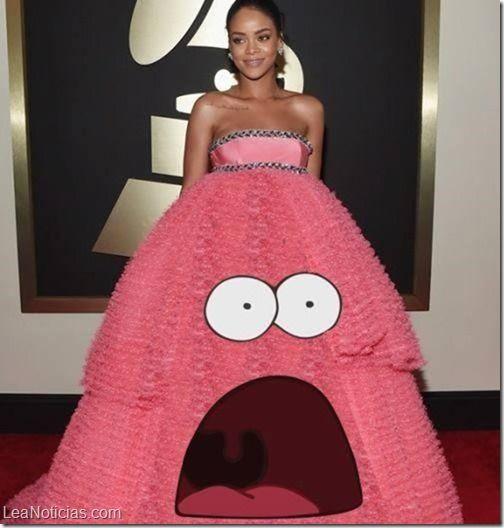 Llovieron memes en Twitter para Rihanna y su vestido rosado en los Grammy (Fotos + LOL) - http://www.leanoticias.com/2015/02/09/llovieron-memes-en-twitter-para-rihanna-y-su-vestido-rosado-en-los-grammy-fotos-lol/
