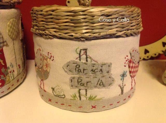Saludos a todas y cada una de vosotras!!!   Bueno...pues aquí está mi tercera y última de las tres cestas de esa marca sueca que tanto nos ...