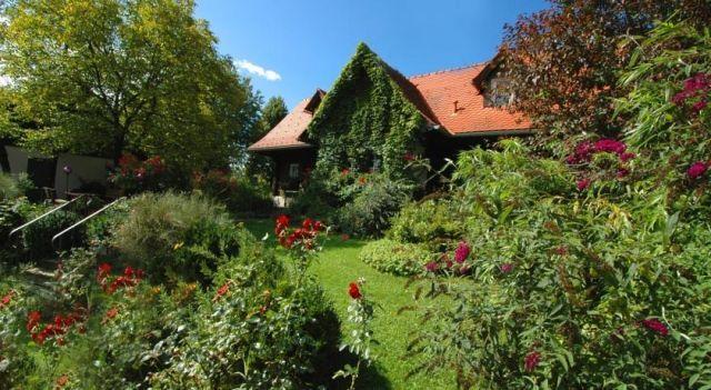 Altes Gehöft am Lormanberg - #FarmStays - CHF 46 - #Hotels #Österreich #KirchbergAnDerRaab http://www.justigo.li/hotels/austria/kirchberg-an-der-raab/altes-gehapft-am-lormanberg_46821.html