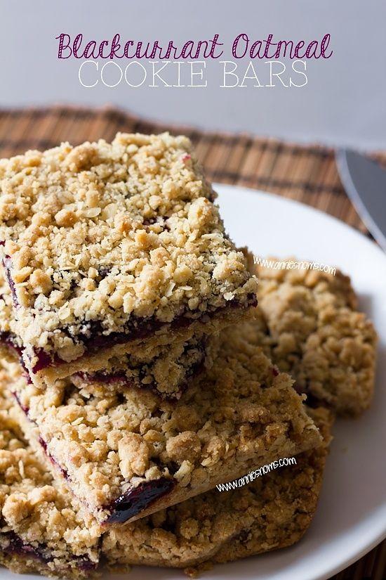 Secret Recipe Club – Blackcurrant Oatmeal Cookie Bars
