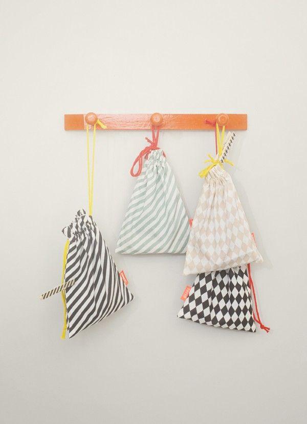 cloth pin stripe black