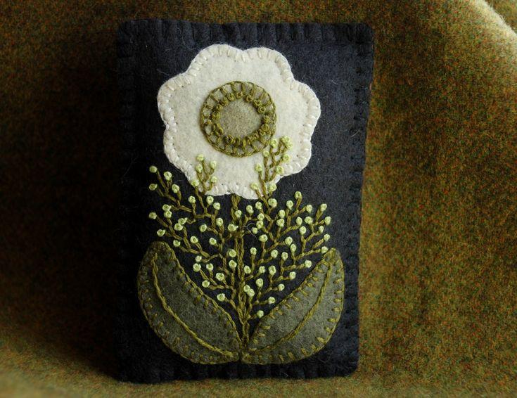 Christmas balsam sachet ornament primitive wool felt applique shelf tuck pillow…