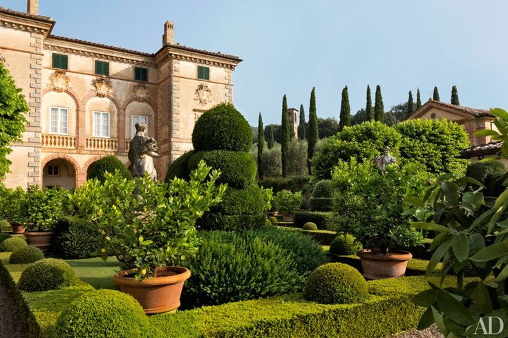 The garden façade of Villa Cetinale, the 17th-century Tuscan residence of Ned and Marina Lambton, the Earl and Countess of Durham. Designed by Carlo Fontana for a nephew of Pope Alexander VII, the house was restored by architect Bolko von Schweinichen and interior designer Camilla Guinness