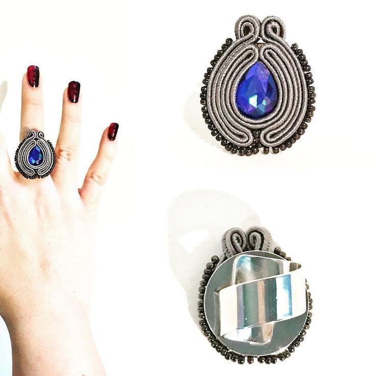 Semplice ed essenziale con una luminosa goccia blu  come il precedente ha fascia regolabile. Subito disponibile per info contattami! . . . #archidee #becreative #bepositive #soutache #soutachejewelry #soutachemania #soutaches #handmade #handmadejewelry #supporthandmade #madeinitaly #rings #anelli #fashionjewelry #instajewelry #jewelgram #fashiongram #fashionista #jewelryblogger #ootd #outfit #instastyle #fashiondiaries #bohochic #jewelryporn #onsale #artisanjewelry #lookoftheday