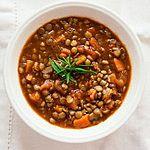 Zupa z zieloną soczewicą i pomidorami