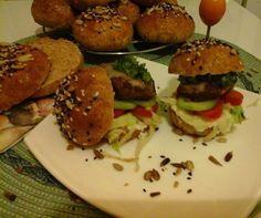 Wellness hamburger – teljeskiörlésű bucival – az örök csábító… http://mediterran.cafeblog.hu/2014/08/24/wellness-hamburger-teljeskiorlesu-bucival-az-orok-csabito/