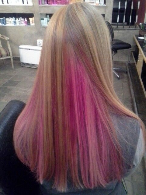 Pink hair highlights, by Justine Taitz