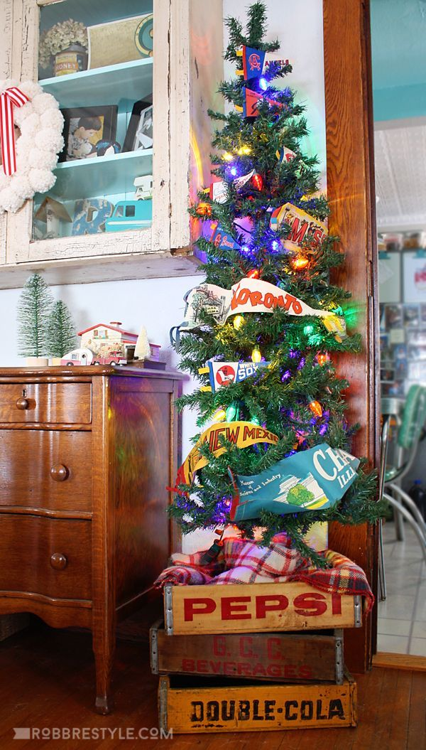 My Eclectic & Merry Holiday Home Tour : Vintage Pennant Christmas Tree in Soda Crates