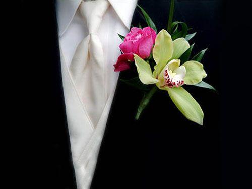 Бутоньерка жениха розовая с орхидеей