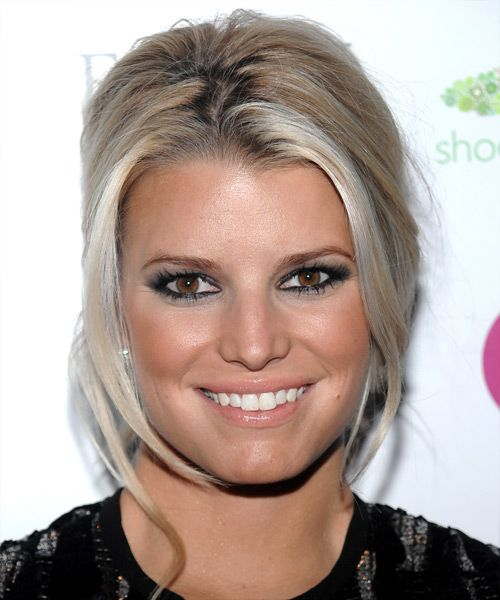 Steal Jessica Simpson S Pretty Half Up Wedding Hairstyle: Best 25+ Medium Champagne Hair Color Ideas On Pinterest