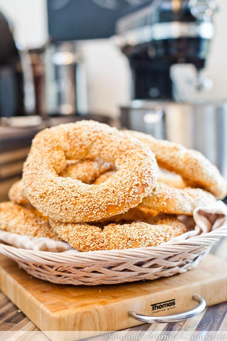 Wow! Leckere Dinkel-Simits selbstgemacht! Was für ein tolles Rezept! Nehmt statt Traubensirup einfach Reissirup! #fructosearm #fomap