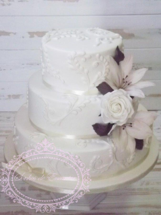 Lily Rose Cake Design : Stargazer Lily and rose wedding cake cake Designs ...
