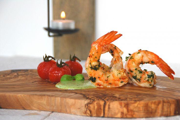 Scampi met zoetzure tomaatjes en basilicum-peterselievinaigrette - www.truitjeroermeniet.be