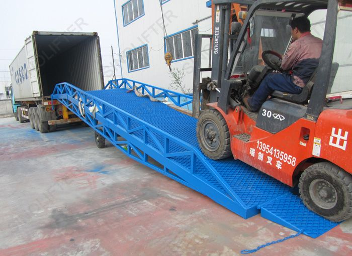 Container loading ramp, used between workshop and container, improve work efficient of good loading/unloading. 10t ramp here: http://www.sinolifter.com/mobile-dock-ramp/mobile-container-loading-ramp.html Skype: mf.sinicmech.com Email: mf@sinicmech.com
