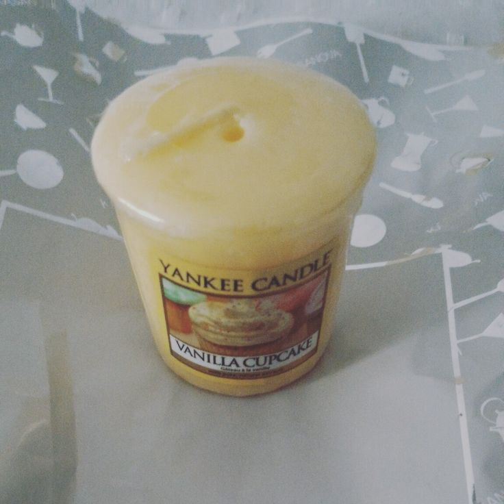 Relax with my YANKEE candle vanilla cupcake