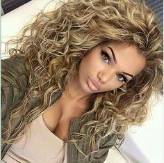 15 Lange Lockige Frisuren Fur Frauen Zu Eifersuchtigen Jedermann Damen Haare Lockige Frisuren Lange Lockige Haare Naturlocken Frisuren