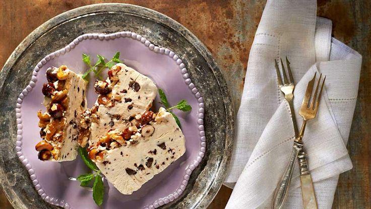 Semifreddo s mascarpone, čokoládou a medovými orechmi