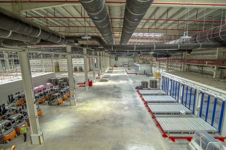 Picture 4 The interior of the new cargo terminal