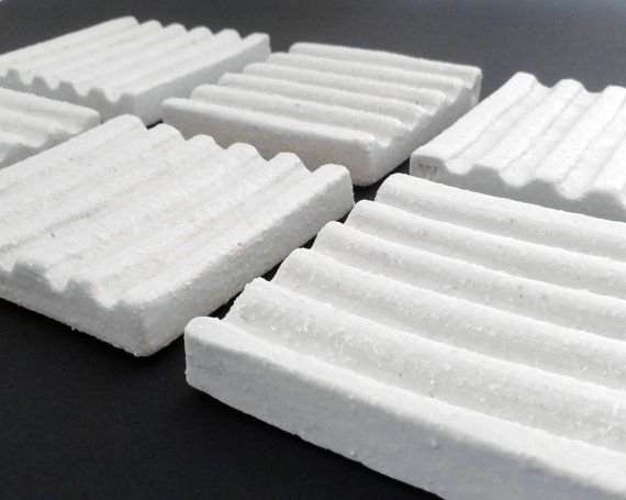 Minimalistic Porcelain Soap Dish