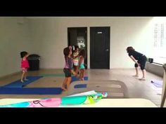 """Coreografía yoga """"La canción de la jirafa"""" - YouTube"""