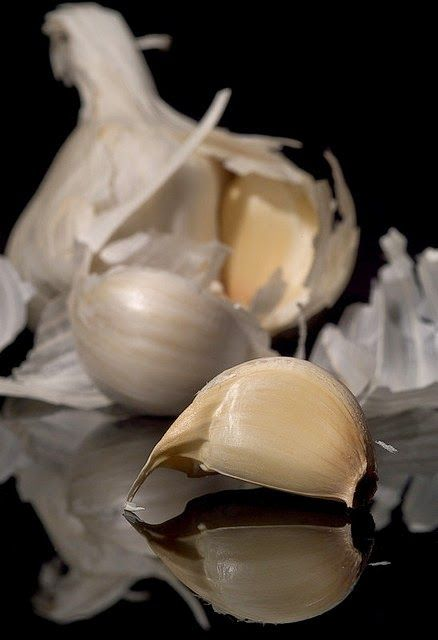 Why Garlic (Breath) is Good for You! ~ 13 Surprising Health Benefits ::   Garlic bread is delicious, but you definitely want to eat it in the company of good friends. Right? Garlic is an amazing food, and its healing properties has been known throughout history.