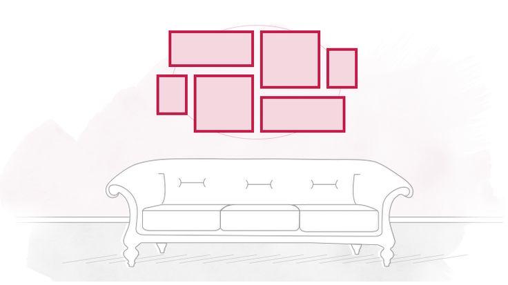 Salas de estar, halls de entrada e corredores são os mais usuais na hora de montar uma gallery wall. Mas você pode decorar uma parede com vários quadros em qualquer ambiente da casa, desde que o espaço tenha essa sup