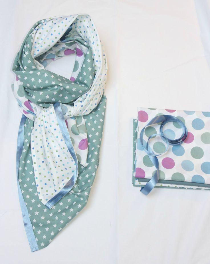 foulard vert - bleu étoiles