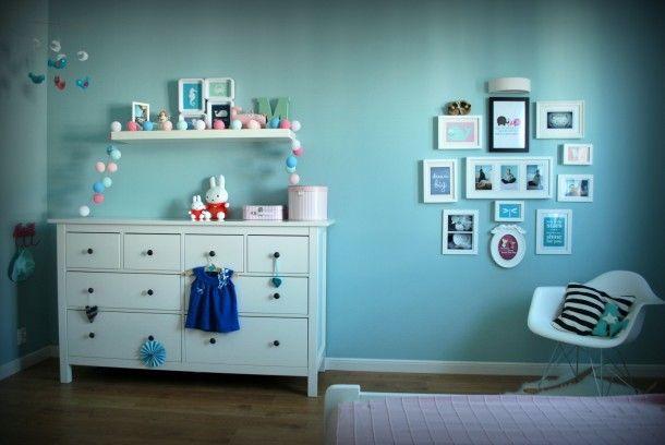 kid's room,