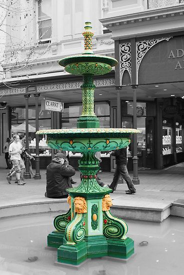 Adelaide Arcade Fountain, Rundle Mall. Adelaide, South Australia.