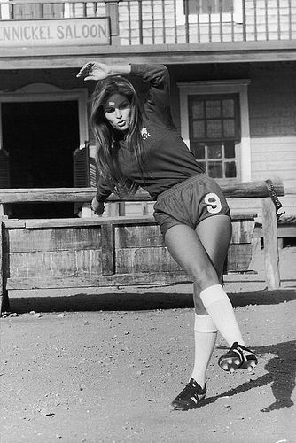 Raquel Welch/Chelsea FC - Soccer / Football
