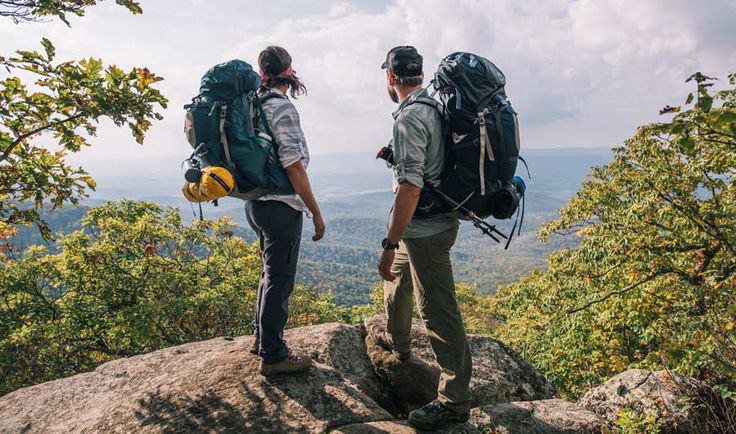 Backpacking for Beginners: 2 backpackers taking in the view
