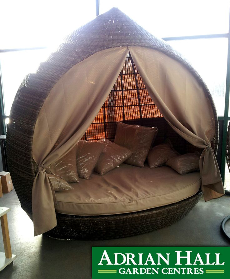 This beautiful day bed is exceptional quality. Imagine lounging on here with a good book and glass of wine on a hot summer day.
